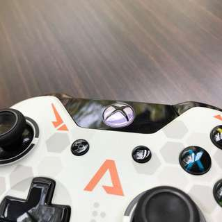 Xbox One Titanfall Controller & Play'n Charge Kit