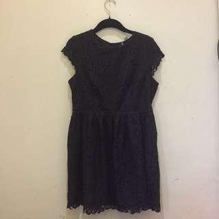 Dress hitam brokat