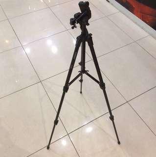 Portable tripod (yunteng vct 520rm)