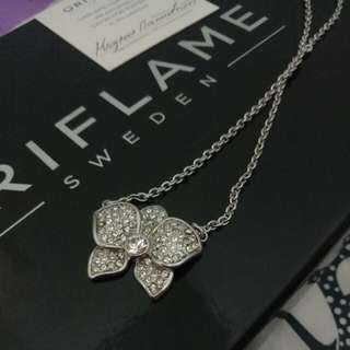 Crystal Flower Necklace ORIFLAME