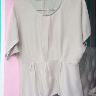 Semi plum creme top