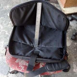 """HP 16"""" Note Book Bag."""