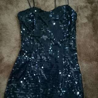 Mini dress warna hitam