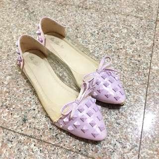 Stud flat in lilac