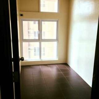 RUSH SALE CONDO IN MANDALUYONG STUDIO NEAR EDSA AND MRT BONI