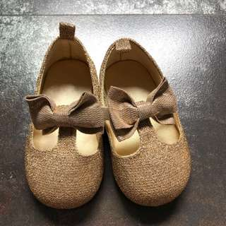 H&M baby shoes size 18-19 infant