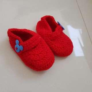 Sepatu rajutan (1)
