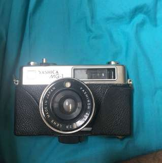 YASHICA MG-1 film camera