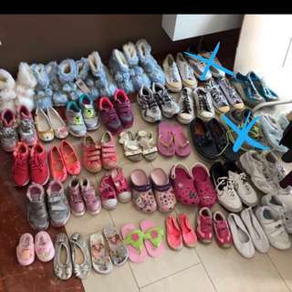Furry boots / boots / sports shoes / school shoes / track shoes / sandals / slippers