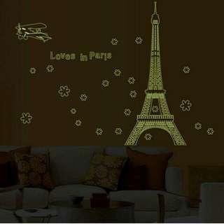 Love in Paris (glow in the dark)