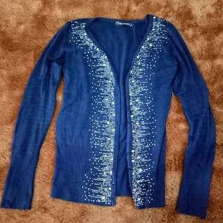 Cardigan warna Biru Dongker