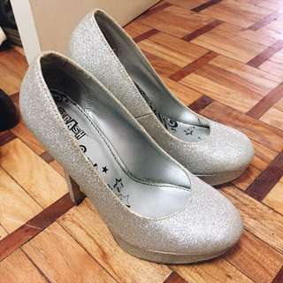 Payless Silver pumps