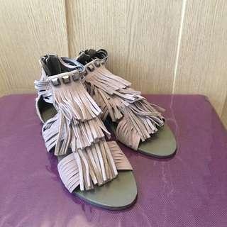 BCBG Maxazria england style sandal 💂🏻♀️