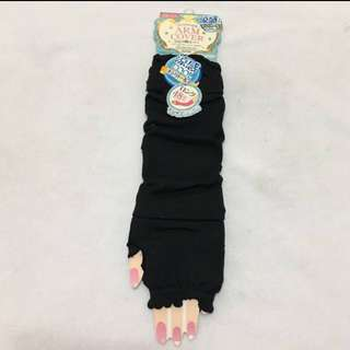 30% OFF GREAT CNY GIFT/SALE {Women's Fashion - Arm Cover} BN DAISO Brand Black Colour Beautiful Lovely & Cool 涼感 Ladies Arm Cover