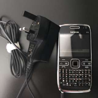 Nokia E72 (Black) with charger