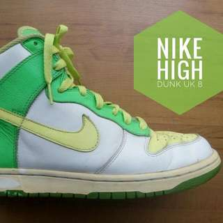 "Authentic Vintage "" Nike High Dunk "" Street Sneaker, Condition As Is / Material Leather. Size UK 8 US 9. WhatsApp : 011 333900582. Price rm 168.00 + Postage."