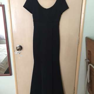 Elegant black maxi slit dress (for rental)