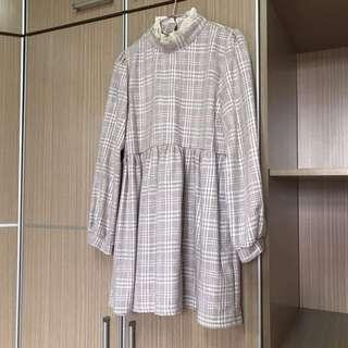 冬天的娘泡的格紋短洋裝