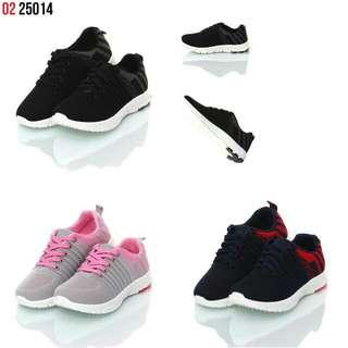 Nama   : Sepatu Sneaker Casual Lifted