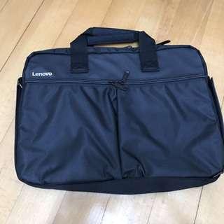 Lenovo 電腦袋。15.6吋