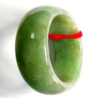玉戒指(天然油青玉介)