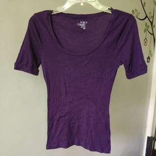 Old navy purple top kaos size s