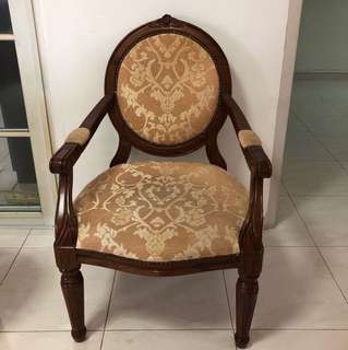 Antique Chair- solid rubber wood