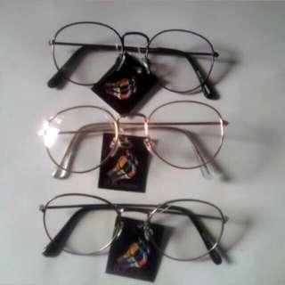 Kacamata Kekinian/Kacamata Bulat Oval