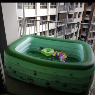 Big swimming pool float for baby kids