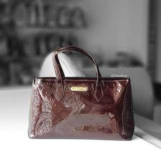 Authentic Louis Vuitton Amarante Vernis Wilshire PM LV
