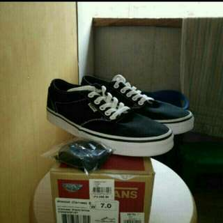 Vans atwood canvass size 7