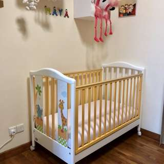 Baby Cot  made in ITALY with Side Bumpers for immediate Sale