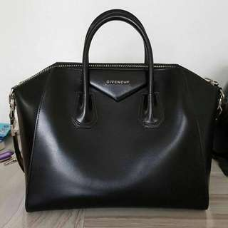 VGC GIVENCHY smooth medium antigona black (bag only) 2015