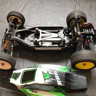Kyosho RB6 race buggy
