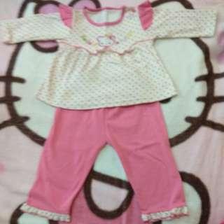 Girl's pyjamas