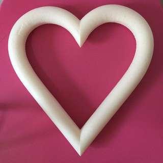 [BN] Heart styrofoam (hard and sturdy)