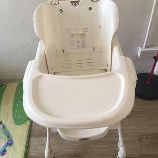 兒童餐椅、搖椅超新淨、急放,快者優先(旺角自取)