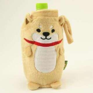 【日本進口】柴犬保特瓶套/796519 尺寸:19*9cm 材質:聚酯纖維 賣價:450