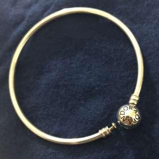 Pandora bangle with pink heart clasp