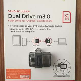 Sandisk Dual USB 3.0 Thumbdrive (32GB)
