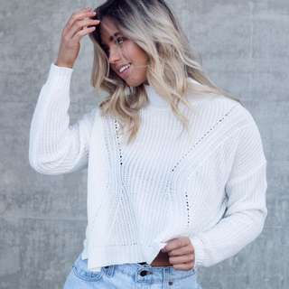 WHITE KNIT JUMPER NEW