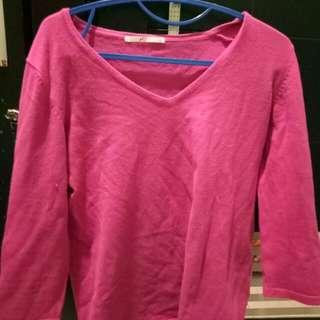 Sweater rajut (warna lebih gelap dr pd foto)