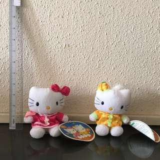 Hello Kitty in Chinese tradition clothes