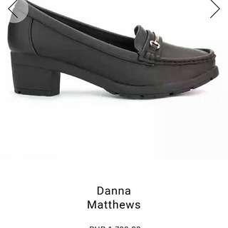Zalora black closed heel shoes