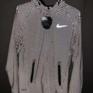 Nike 低調3M反光防水透氣風褸