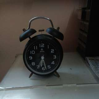Huiting preloved Alarm Clock