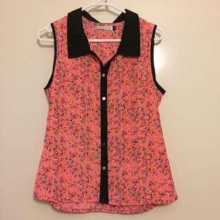 Sleeveless floral collar shirt