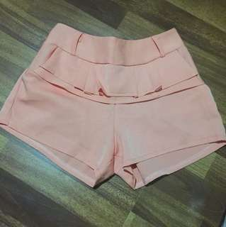 Peach short pants