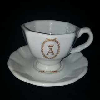 Teacup sets