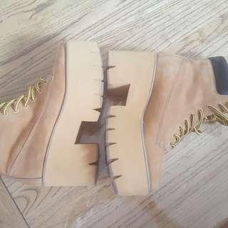 New ZU camel platform boot